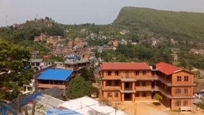 डाक्टरसहित ११ जनामा संक्रमण पुष्टि भएपछि बन्दीपुर गाउँपालिका सिल
