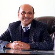 एसएलसीका बोर्ड फष्ट डा. उत्तम कृष्ण, जो हाँकिरहेका छन् प्रमुख सरकारी मुटु अस्पताल