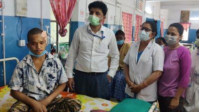 कोशी अस्पतालमा टाउको पछाडीको २ केजीको ट्युमरको सफल शल्यक्रिया