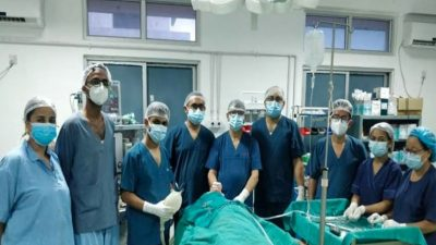 लुम्बिनी अस्पतालमा घाँटीमा अड्किएको १८ सेन्टीमिटर लामो ब्रस निकालियो