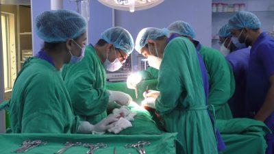 क्यान्सर अस्पताल खजुरामा पहिलोपल्ट दूरबिन प्रविधिबाट बिरामीको शल्यक्रिया
